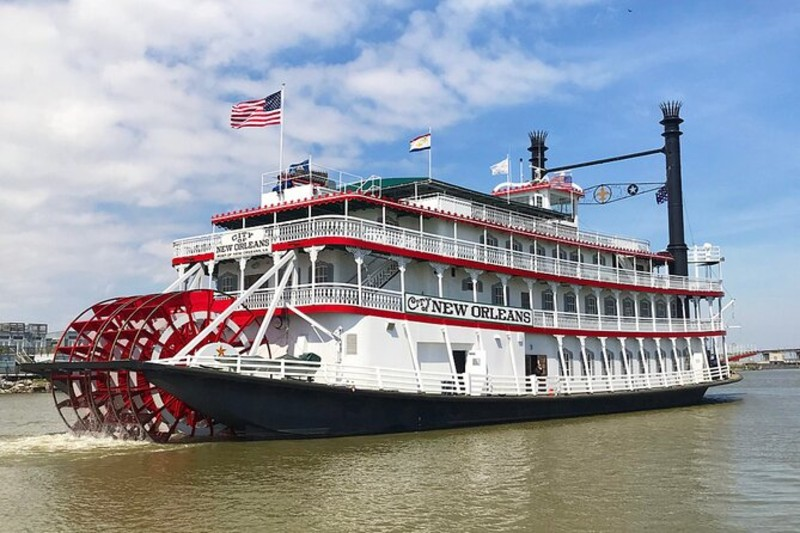 Riverboat City of New Orleans on the Mississippi River